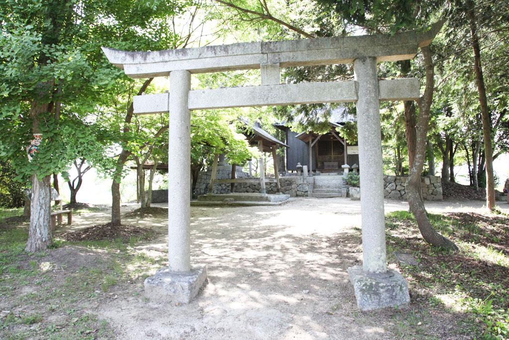 造山古墳の神社
